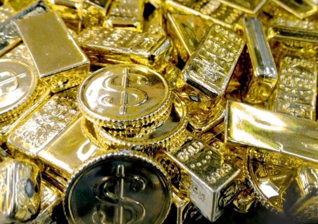 新宿のブランド専門店【ブランドブティックセキネ】では純金や18金など金製品も承っております